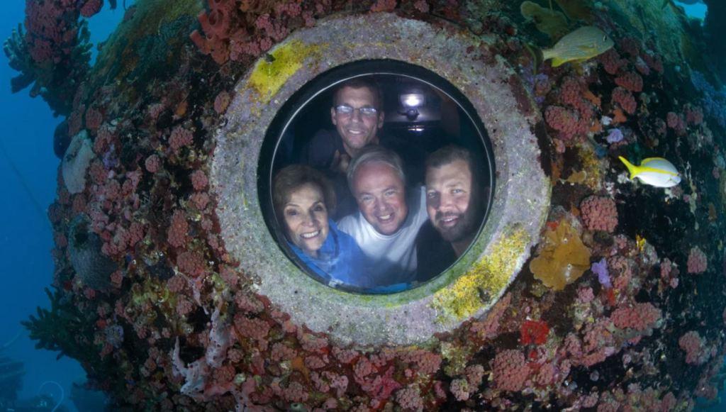 Undersea laboratory